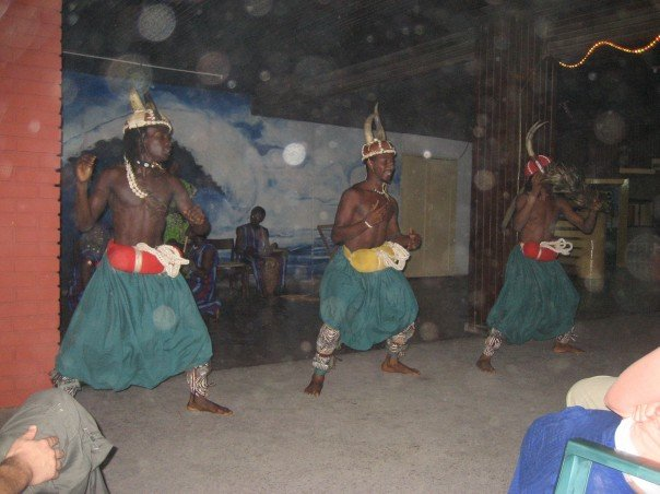 LOCAL GHANAIAN DANCERS