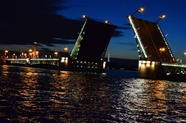 ST. PETERSBURG MAIN BRIDGE