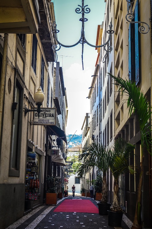 FUNCHAL ALLEY