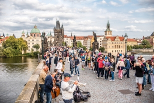 Crowds on Charles Bridge